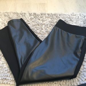 NWOT never worn Faux leather front leggings